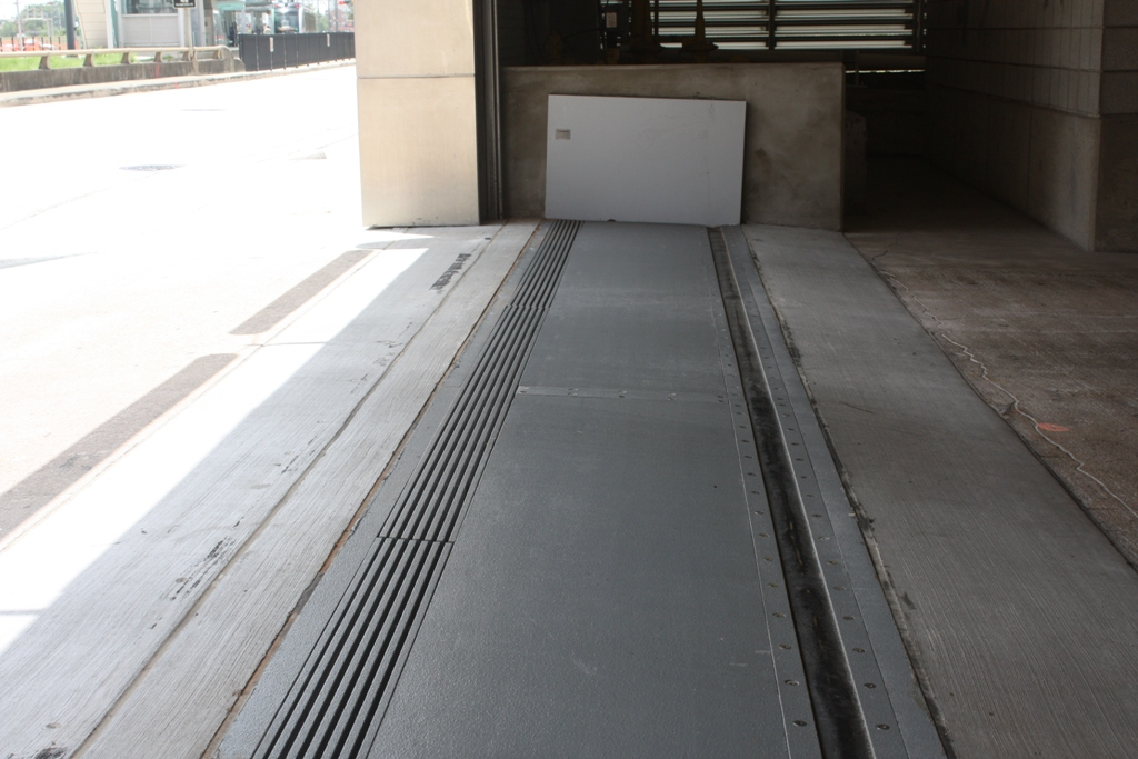 Floodbreak 174 Vehicle Gate Proven Passive Flood Protection