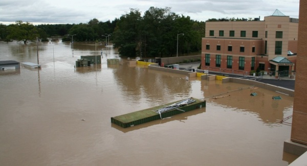 FloodBreak Floodgates and floodwall protect Lourdes Hospital from catastrophic flooding