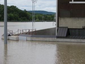FloodBreak holds back floodwaters