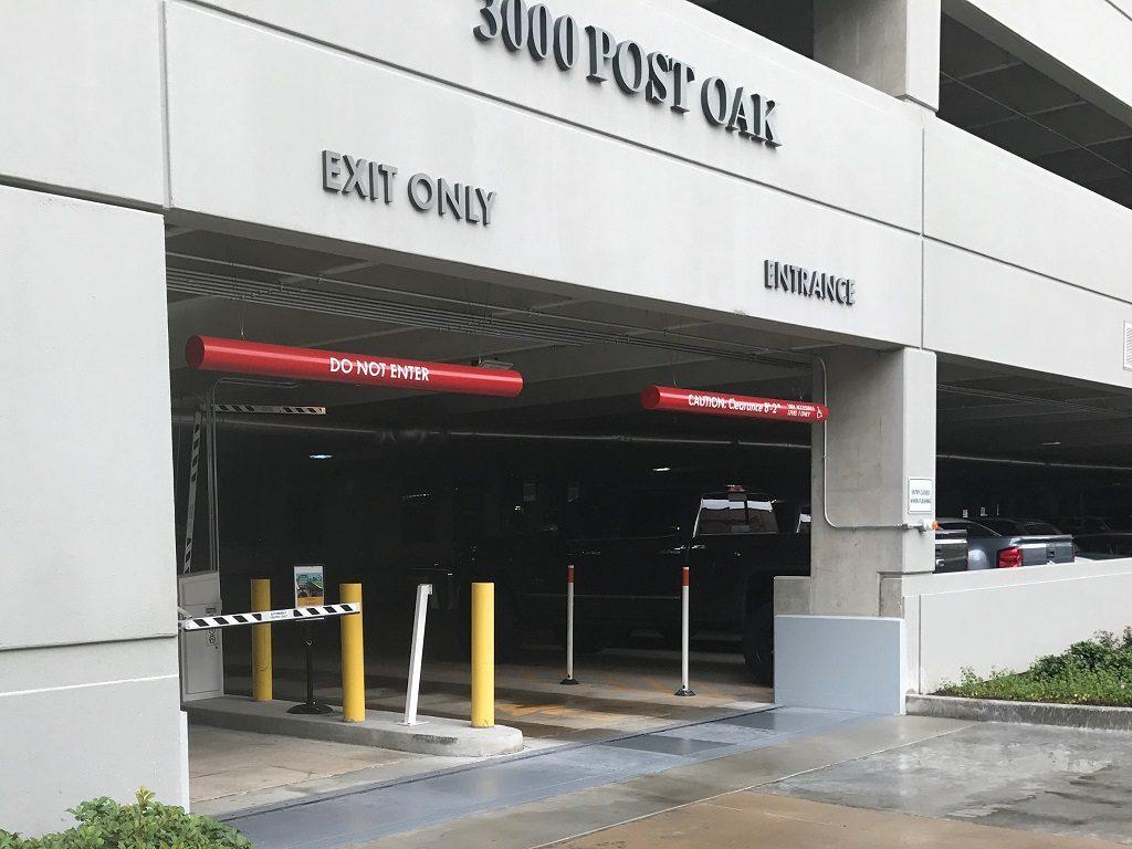 3000 Post Oak - Vehicle Gate side entrance & exit-smfile